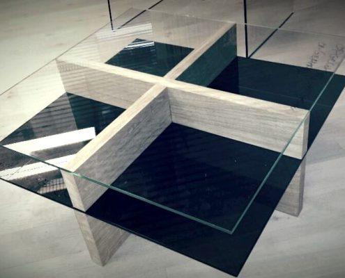 Glazen tafel in combinatie met eik
