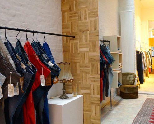 Spiegel kledingzaak