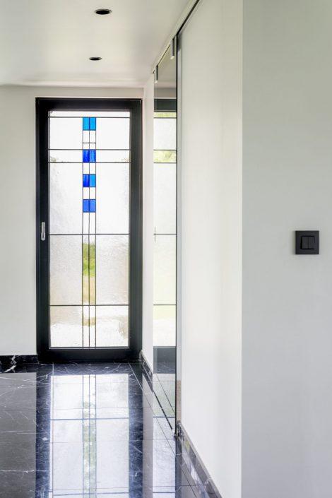 Glas in lood eigen ontwerp ingebouwd in hoogrendementsglas